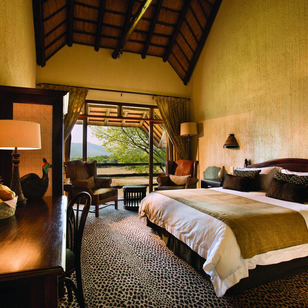 Bakubung Bush Lodge_Standard King Room (3)